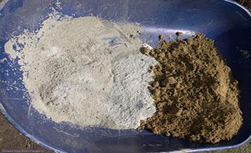 Песок и цемент