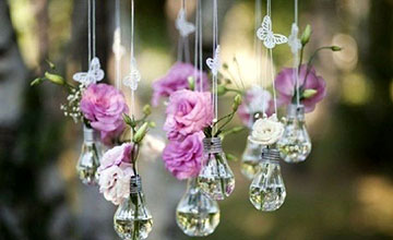 Парящие вазочки из ламп накаливания